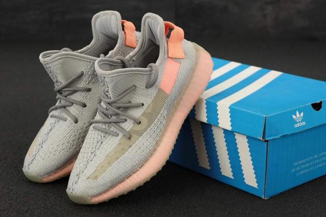 Кроссовки Adidas Yeezy Boost 350 Белые фото