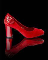 Красные туфли  с пряжкой
