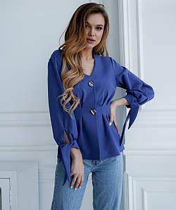 Женская блузка с большими пуговицами