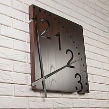 Настенные квадратные часы из дерева DABO Fourth.