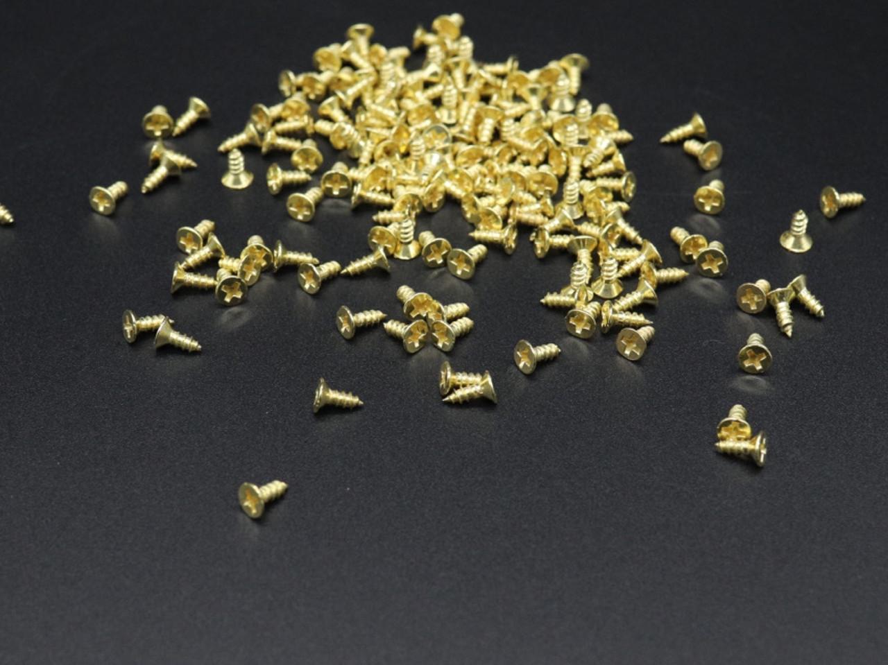 Шуруп. Цвет золото. 2,5х6 мм