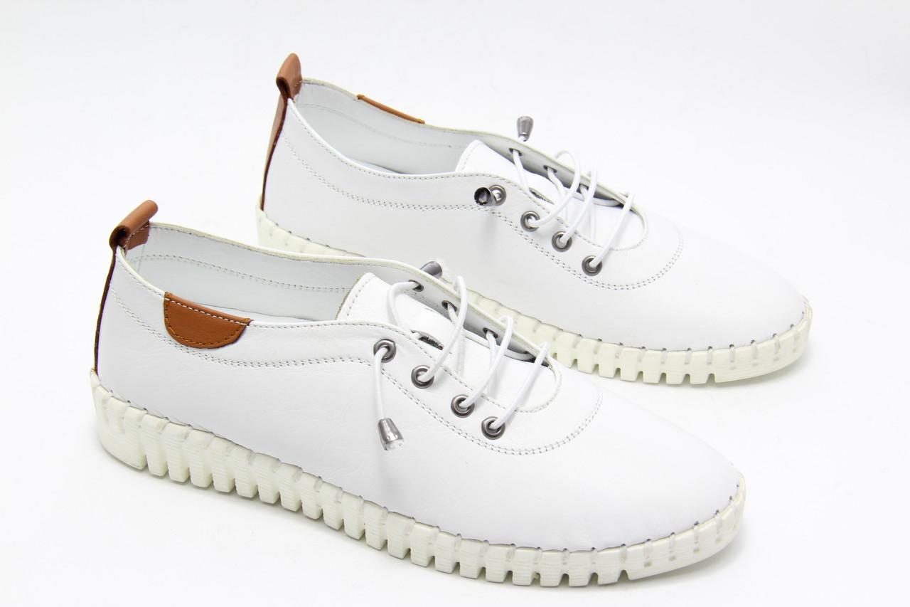 Мокасины женские белые кожаные Izderi 19125-beyaz