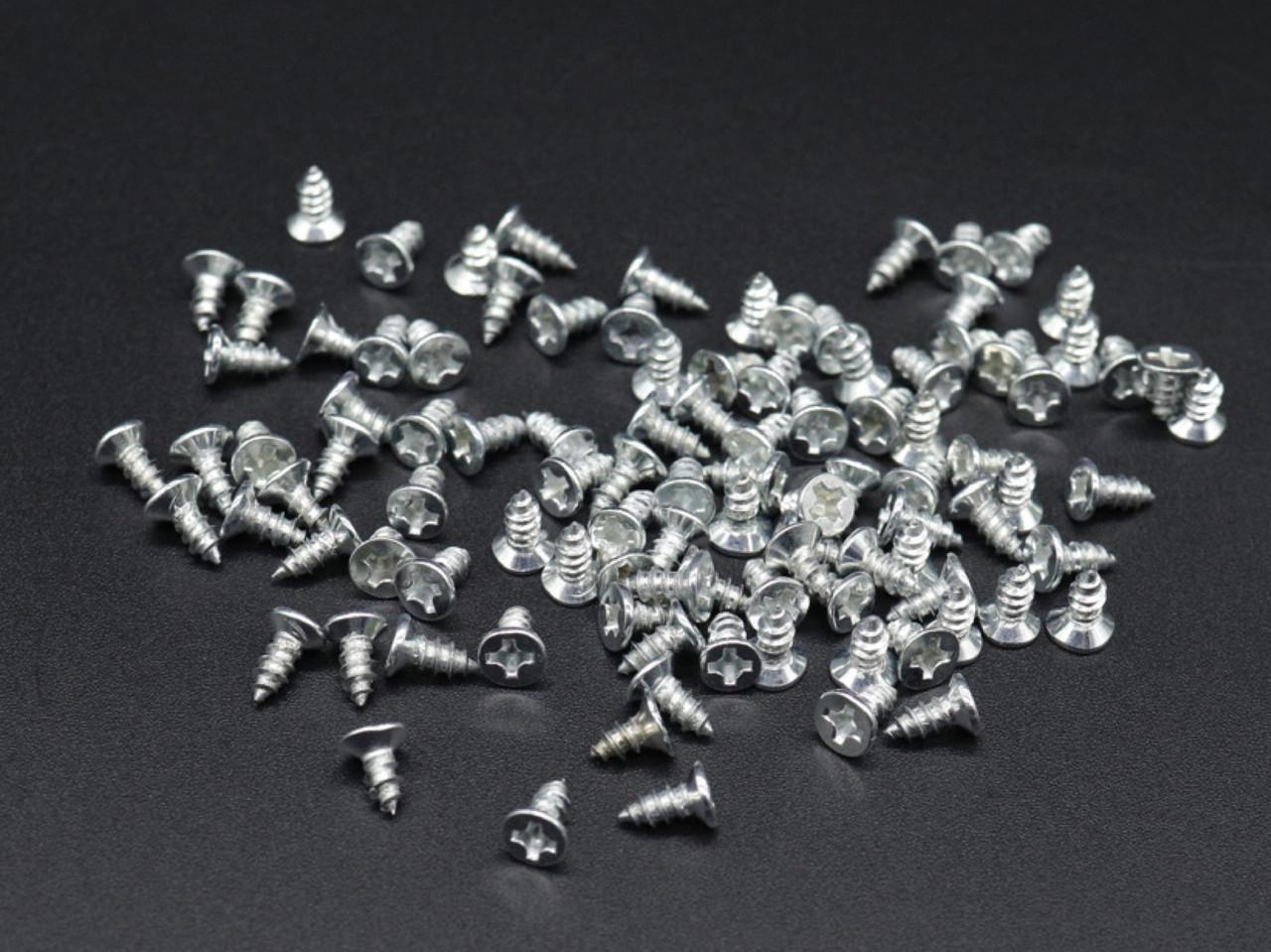 Саморезы для крепежа. Цвет серебро. 3х6мм