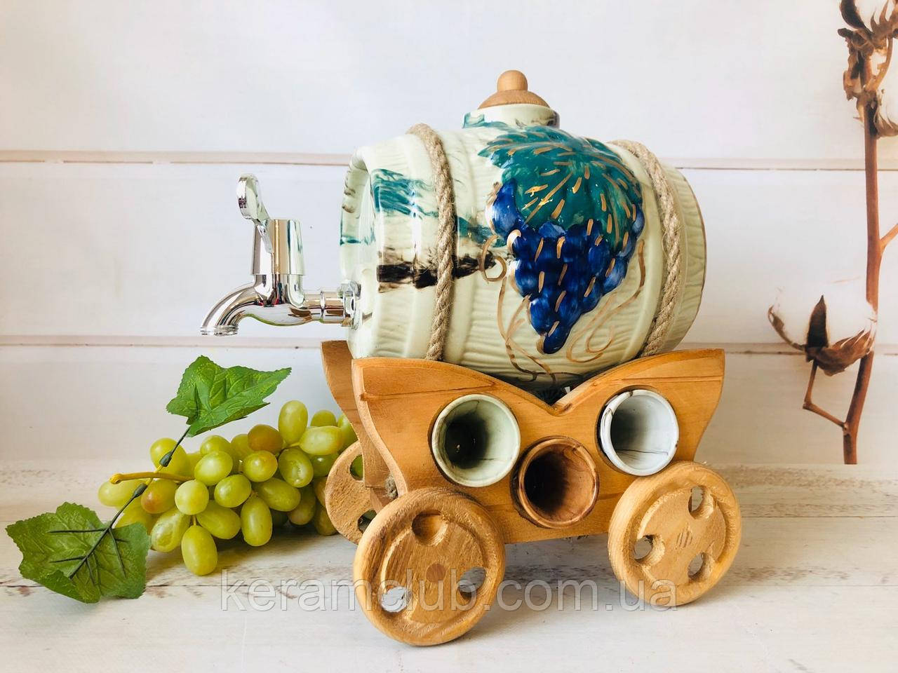 Набор под спиртное керамический Бочонок и 6 рюмок на деревянной телеге