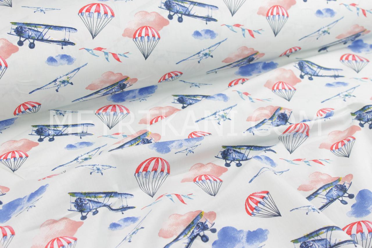 """Ткань хлопковая  """"Самолёты и полосатые парашюты"""" светло-мятном фоне фоне №672"""