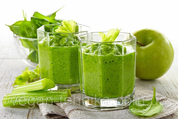 Полезные свойства зеленых коктейлей