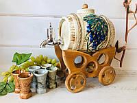 Винний набір Керамклуб керамічний Бочонок 3 л і 6 чарок на дерев'яній возі, фото 1