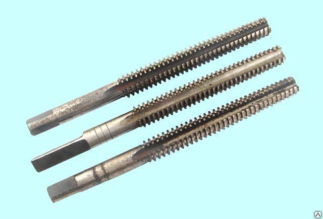 Метчик трапецеидальный Tr22х5 Р18 к-кт из 2-х штук L180мм