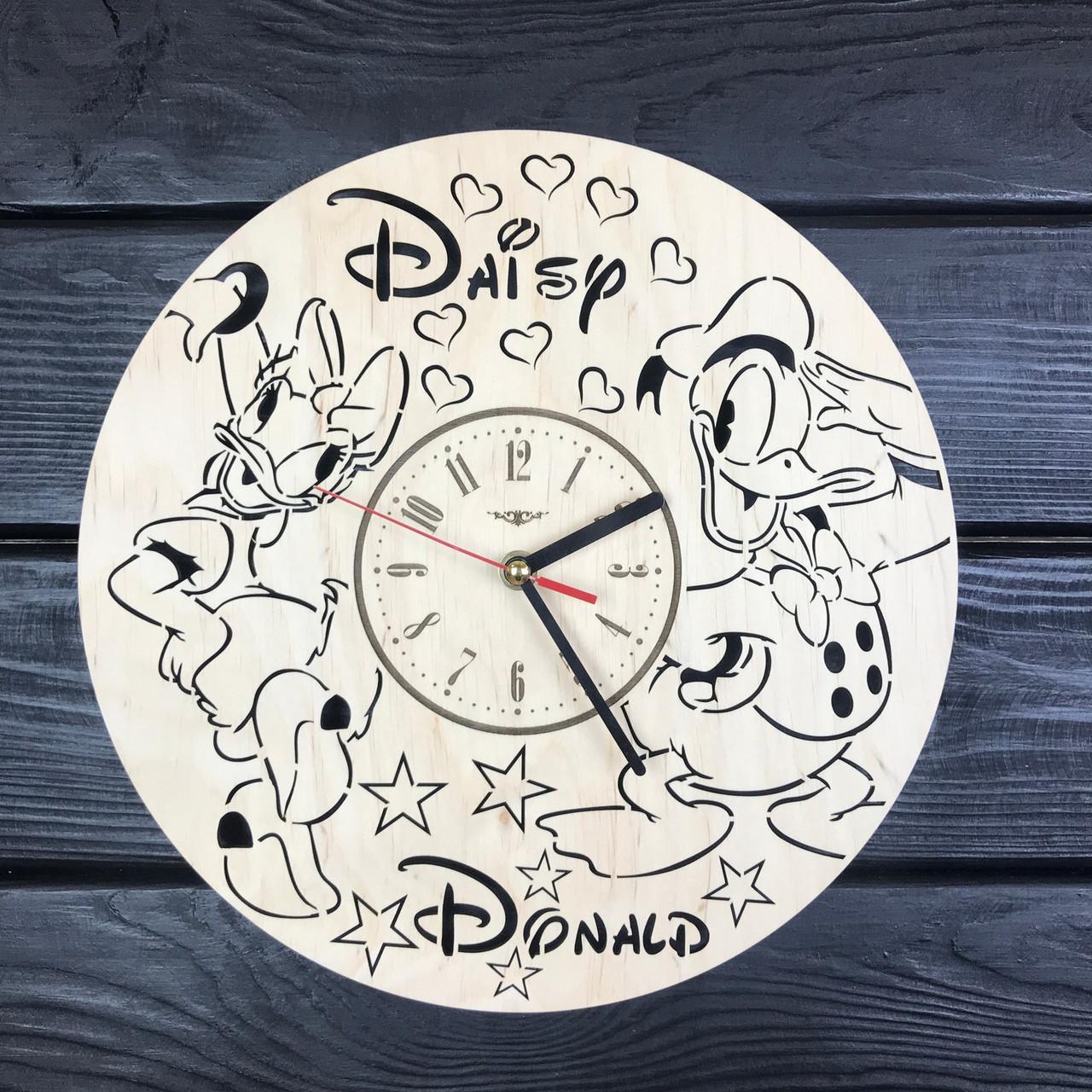 Детские настенные часы из дерева «Дональд Дак и Дейзи Дак»