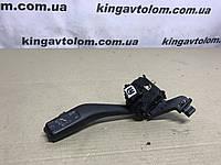 Переключатель поворотов руля левый  Volkswagen Golf 6    1К0 953 513 G