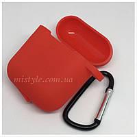 Силиконовый чехол для AirPods 1 2 с карабином красный