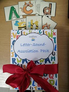 Комплект Letter-sound-association magnets для изучения букв и звуков английского языка на магнитах