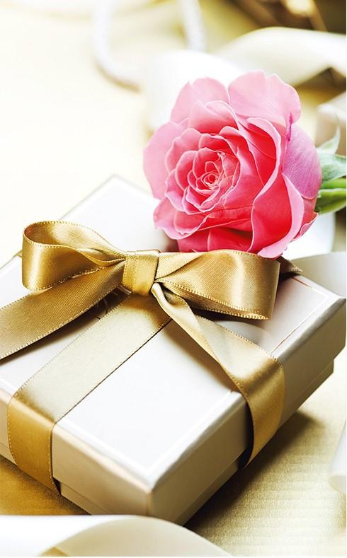 """Пакеты для подарков """"Подарок с розой"""" 16 х 27 см  (6 шт/уп)"""
