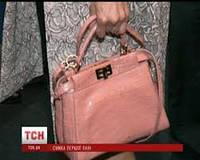 Какую сумку предпочитает сегодня жена президента Украины Порошенко?
