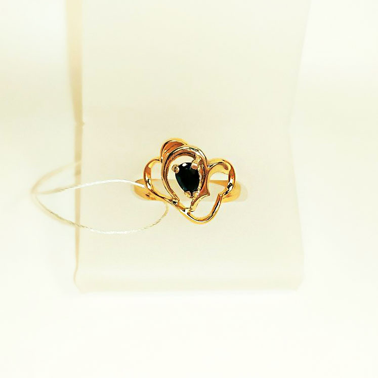 Золотое кольцо с черным фианитом Феличита