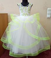 7.93 Яркое бело-салатовое нарядное детское платье-маечка с юбкой-цветком на 6-7 лет
