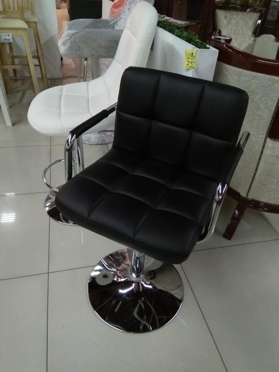 Крісло перукаря ARNO (Арно) CH-BASE ЕК чорне на млинці з підлокітниками екошкіра