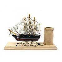 Деревянный корабль с подставкой для ручек