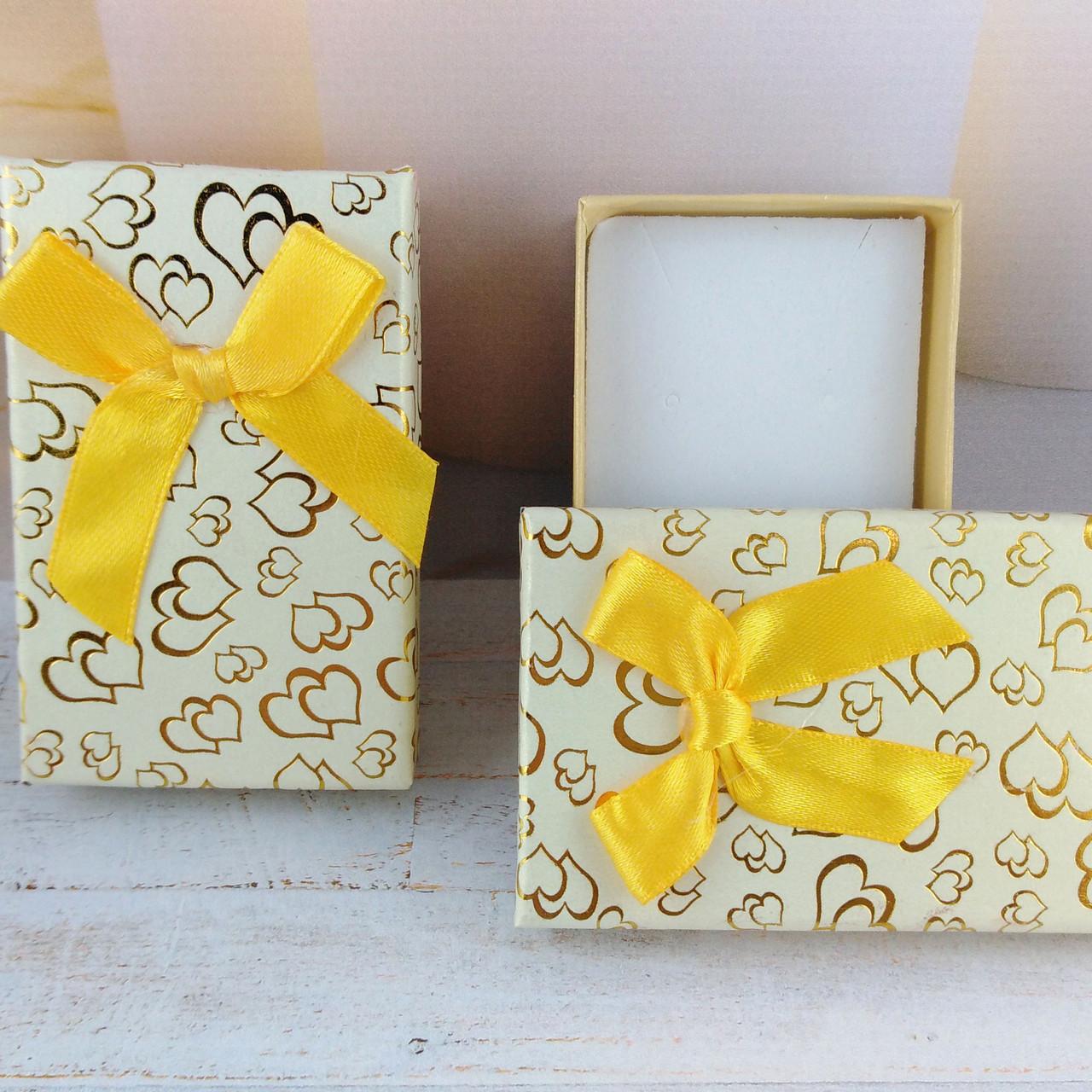 """Подарочная коробочка """"Сердца"""" Нежно желтая"""