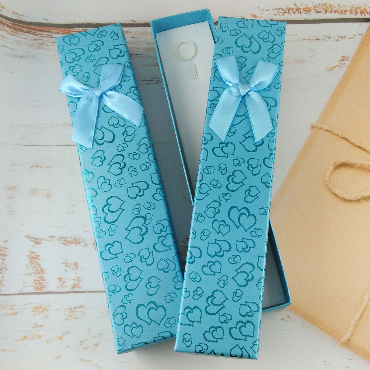 Подарочная коробочка для браслетов Сердца Голубая