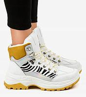 Утепленные белые кроссовки на толстой подошве