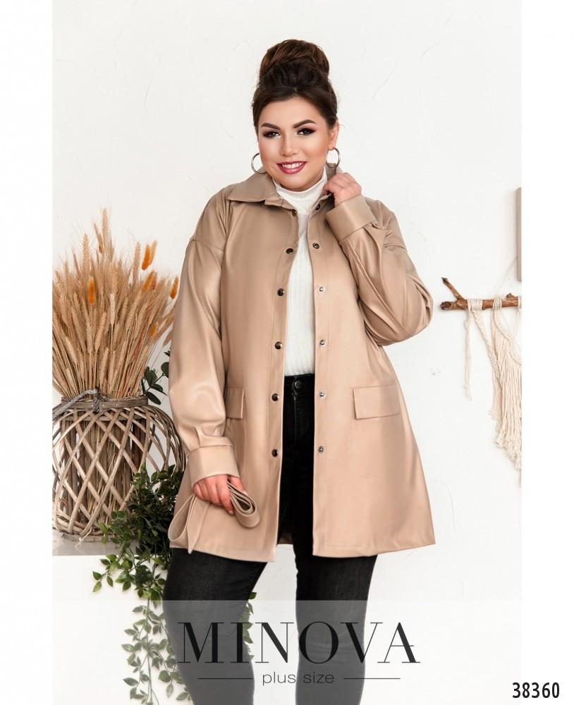 Необычный пиджак из эко-кожи в стиле casual с поясом, по бокам – накладные карманы