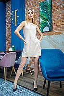 Стильное платье с эко-кожи бежевое