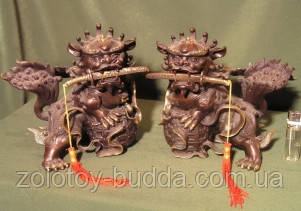Львы пара с мечами бронза