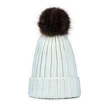 Утепленная детская зимняя шапка с мехом и помпоном на девочку 7 - 8 - 9 - 10 лет белая (молочная)