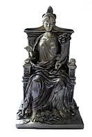 Античные статуэтки и рыцари