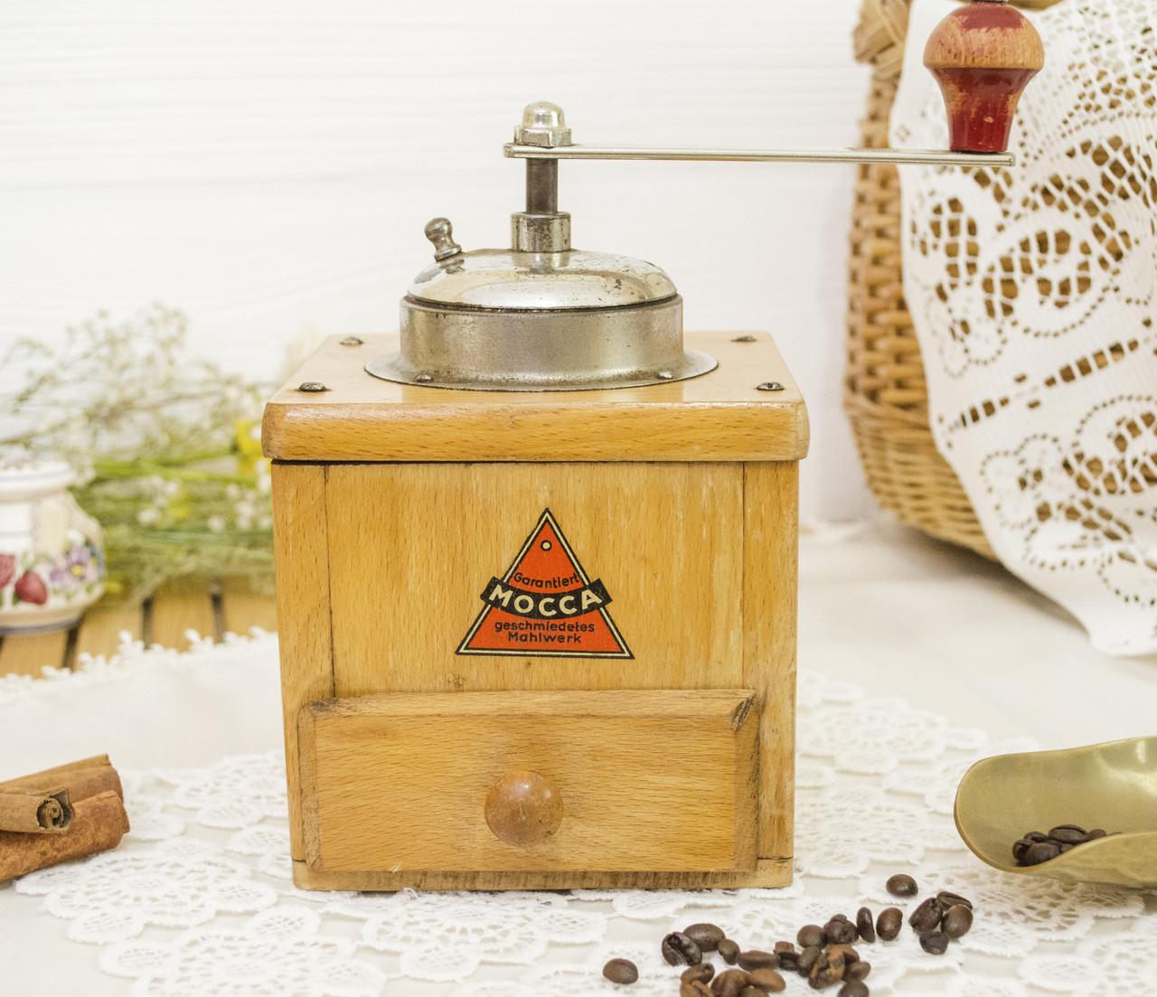 Старая немецкая ручная кофемолка, деревянный корпус, стальной механизм, Германия, Mocca geschmiedetes Mahlwerk
