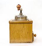 Старая немецкая ручная кофемолка, деревянный корпус, стальной механизм, Германия, Mocca geschmiedetes Mahlwerk, фото 3