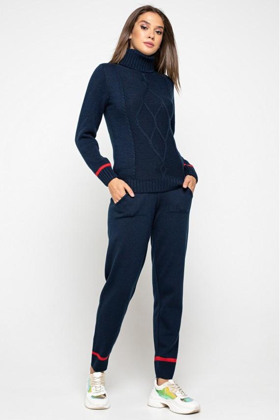 Теплый вязаный костюм  42-48  размер