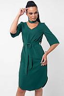 Красивое платье прямого кроя Лагуна с поясом и чокером 42-52 размеры изумрудное