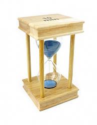 Песочные часы 10 минут на квадратной деревянной подставке голубой песок