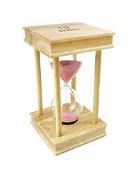 Песочные часы 10 минут на квадратной деревянной подставке розовый песок
