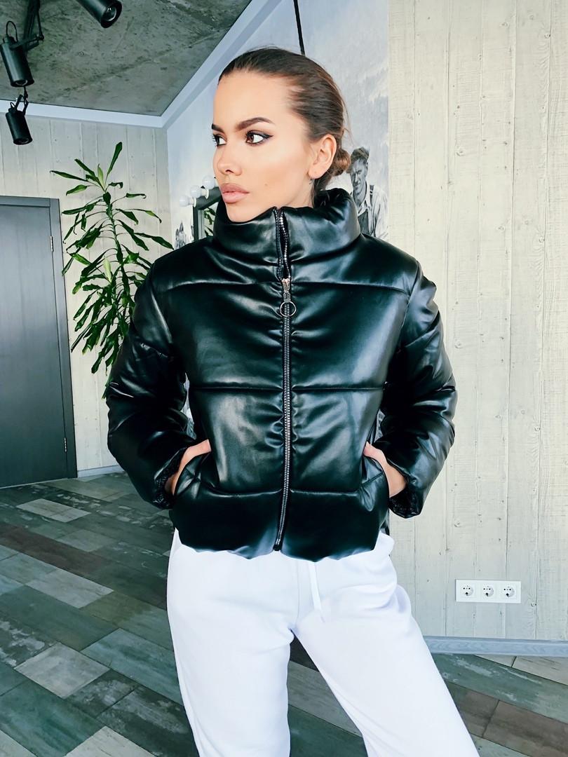 Женская стильная короткая куртка из эко кожи,черного цвета