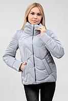 Серая женская куртка лаковая (42-50) демисезон