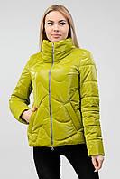 Салатовая женская куртка лаковая (42-50) демисезон