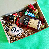 Мужской оригинальный подарочный набор с коньяком и зайчиком ручной работы.Подарок для мужчины, мужа, парня.