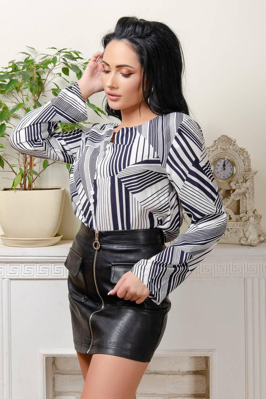 Красивая блузка с геометрическим принтом (42-50)