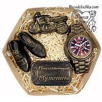 Мило для чоловіка в подарунок набір годинник, мотоцикл, жетон, туфлі