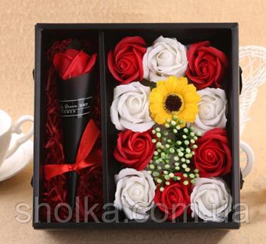 Подарочный набор мыла из роз XY19-80