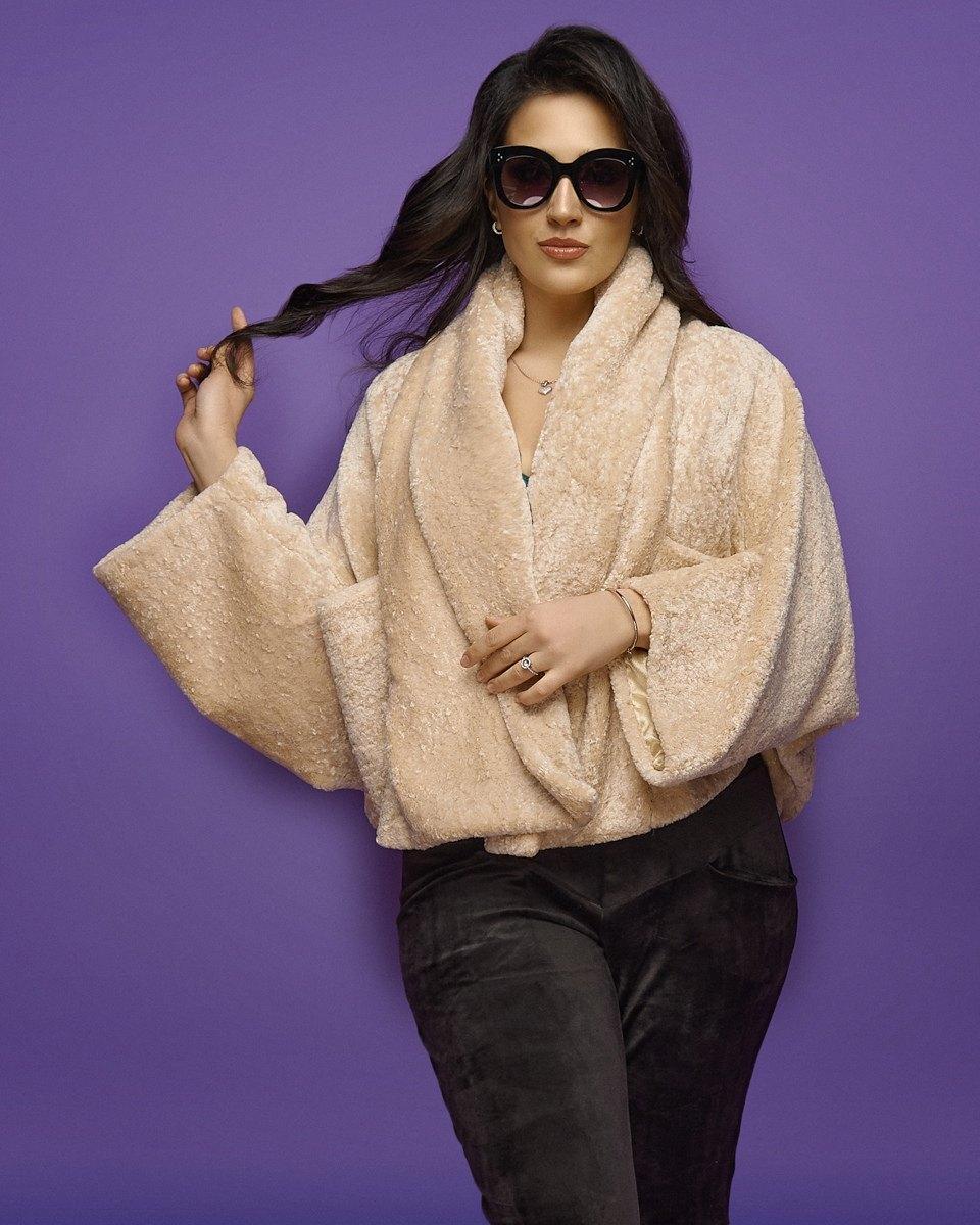 Женская шуба без застежки большого размера.Размеры:48-50.+Цвета
