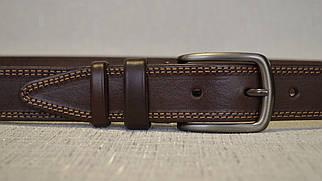 Коричневый кожаный ремень с коричневой ниткой (пряжка цвета титан) 335