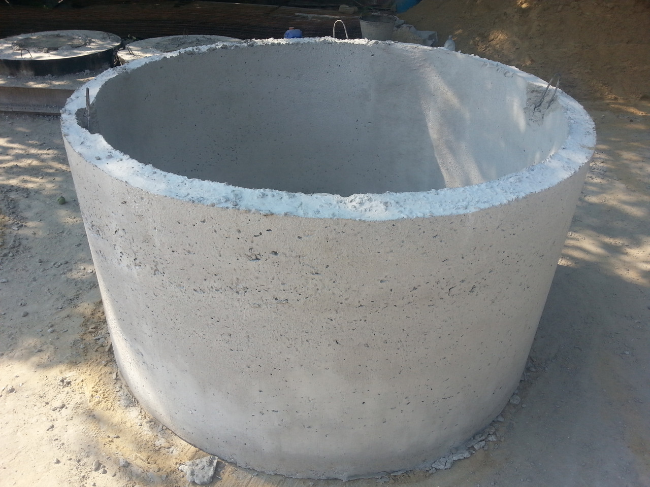 Кольца диаметр 2000 для колодцев и канализации; железобетонные кольца в Одессе