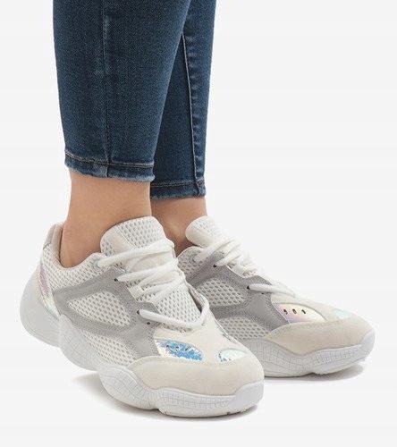 Женские кроссовки белые со вставкой сетки