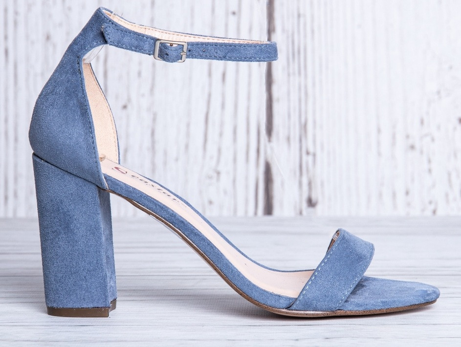 Женские босоножки голубые на небольшом каблуке