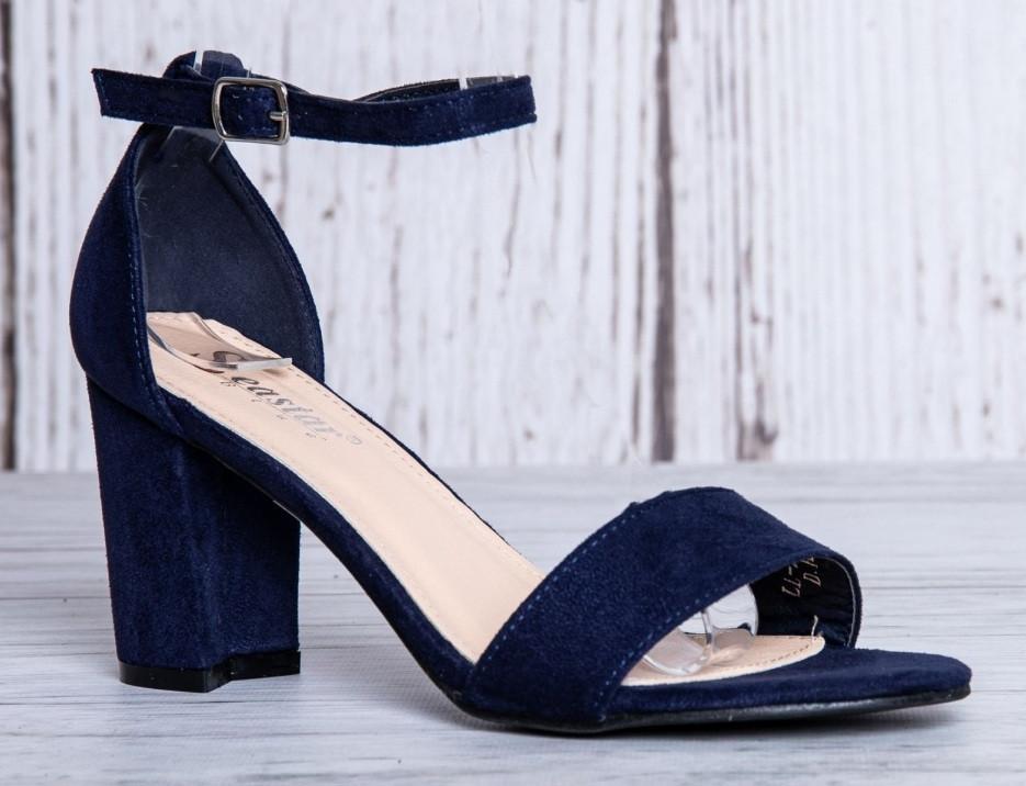 Женские босоножки на маленьком каблуке темно синие