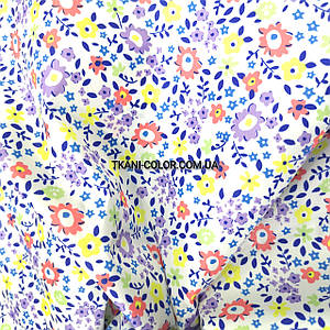 Плащевая ткань лаке принт цветочки на белом